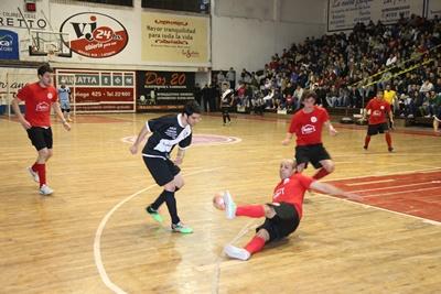 """Con cinco partidos  esta noche, se inicia  la disputa de la  cuarta fecha (1ª rueda) del campeonato """"Salteño""""  de Futsal en ambas divisionales... opción válida  de competencia"""