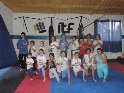 Alumnos de Set Do Kwan que participarán del Torneo de Taekwondo del sábado  en Salto Uruguay a cargo de Geraldine Acuña (Cinturón Negro II Dan)
