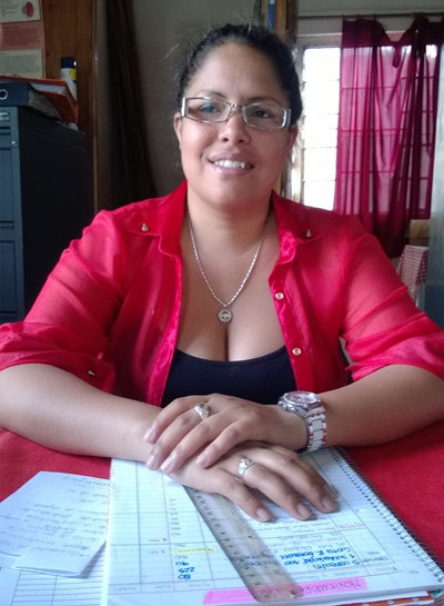 Con la Enfermera-Podóloga Natalia Querio Encargada del local de Asociación ADISA
