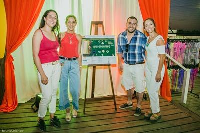 Lucia Martinez,Valentina Llama,Leticia Menoni yEmi Mattio.