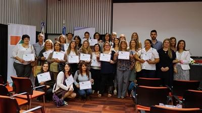 Ganadores de la licitación con sus diplomas