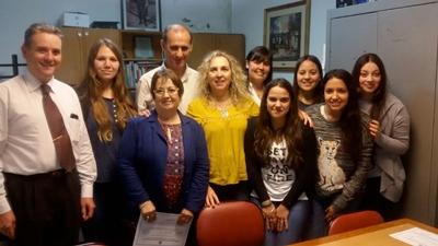 Grupo de estudiantes y docentes de Aldeas SOS, y del CeRP, participantes de la rica experiencia