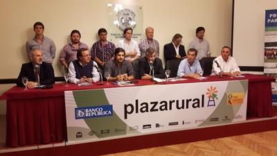 Representantes de la firma que integran Plazarural