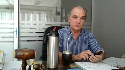 Enrique Beriau,  operador local  de negocios  rurales y  martillero