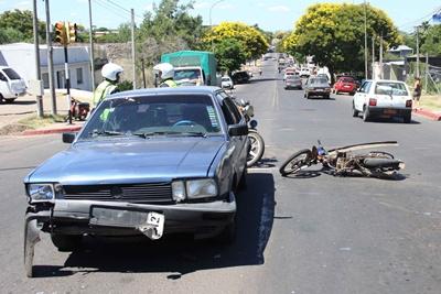 Uno de los accidentes registrados en Avda. Gob. de Viana un motonetista resultó lesionado. Sucedió ayer en Uruguay y Viana