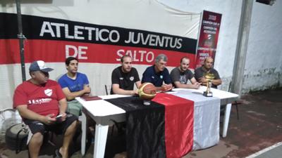 En la noche de ayer y en conferencia de prensa, la institución Atl. Juventus presentó al Cuerpo Técnico que tendrá a su cargo las categorías Formativas en este 2017, las que iniciarán sus trabajos a parir del próximo lunes 13 del corriente