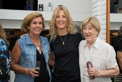 Ema, Carola y su mamá Goga