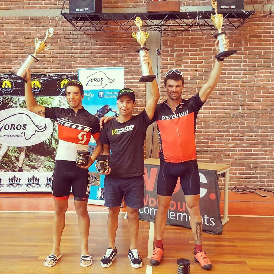 El salteño Kian Santana ganó en San Carlos y sigue sumando triunfos para el Team Scott