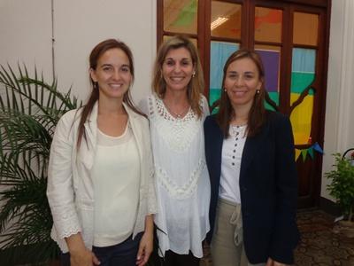 La directora del Colegio Los Robles, Lic. Mercedes Aishemberg, junto a la Ps. Ana Clara Dondo y la Sub Directora, Mag. Paola Ocaño.