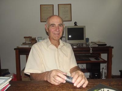 Dr. Carlos Texeira