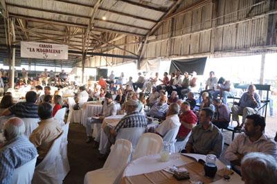 Mucho público se hizo presente en el local de la Asociación Agropecuaria
