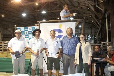 Integrantes de La Empastada junto a Francisco Cánepa y colaboradores del escritorio Ruben F. Cánepa