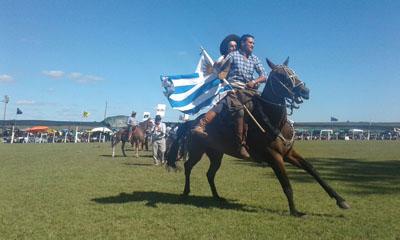 Diego Castro y Diego Silva dieron juntos la vuelta de honor