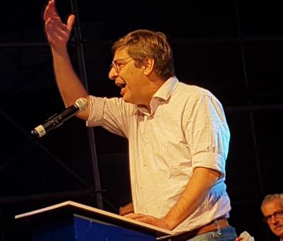 El FA realizó un acto único en Canelones ayer por su 46 aniversario. En la foto, habla Javier Miranda