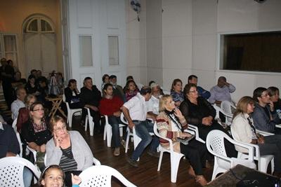Parte del público que asistió a ver el documental de La Cumparsita