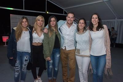 Carla Paiva, Kenesy Murad, Antonella Paiva, Martin, Flor y Belu Martinez