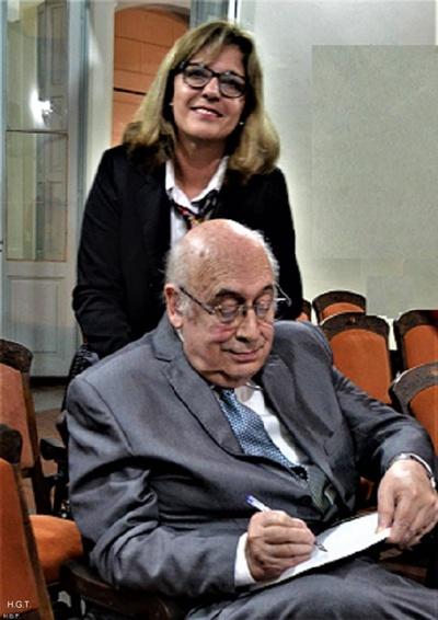 Laura Gambetta, Esc. Enrique Cesio