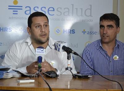 La Directora Departamental de Salud, Dra. Cristina González; el Director del Hospital, Dr. Marcos García y el Intendente de Salto,  Dr. (Abog.) Andrés Lima, brindaron conferencia de prensa  exhortando a la población a vacunarse.
