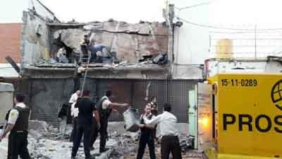 Con bombas militares la mafia brasileña tiró abajo el edificio en Ciudad del Este