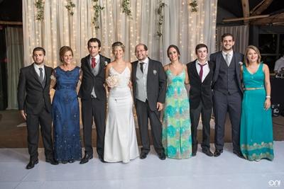 Familiares de la novia. Padres. Gustavo Bertolotto y Rosana da Rosa, los hermanos Juan Pablo, Gustavo y Natalia.