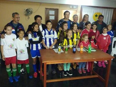 Un momento del lanzamiento el pasado jueves de las actividades del fútbol de niñas  que pondrá en marcha en breve la Liga Salteña de Baby Fútbol