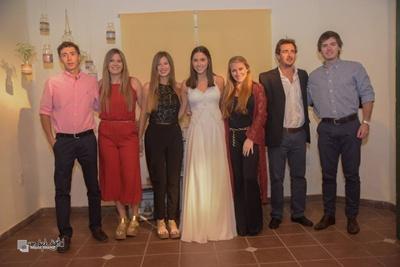 María Inés con sus hermanos y primos., Tomás Curbelo, Magdalena y Fernanda Urroz, María y Juan Curbelo, Enrique  Curbelo.