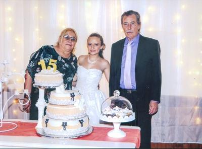 Con sus abuelos Hugo Curbelo y Teresita Sánchez