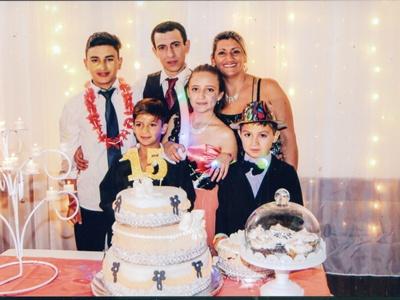 Junto a sus padres y hermanos Braian, Kevin, Matías Curbelo Castro