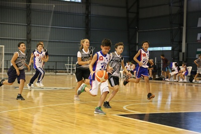"""Con tres partidos, en dos categorías (Sub 12 y Sub 16) en tres escenarios, prosigue hoy la disputa del campeonato """"Salteño"""" de básquetbol en categorías Formativas."""