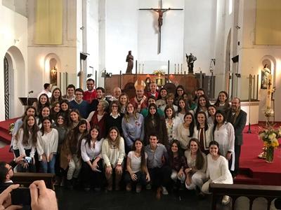 Salteñas  en la Parroquia San Ignacio de Loyola