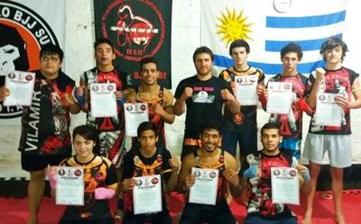 El grupo que participó del pasaje de grado en Muay Thai en Vilamir