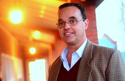 Pablo Bartol, director del Liceo Los Pinos en la capital