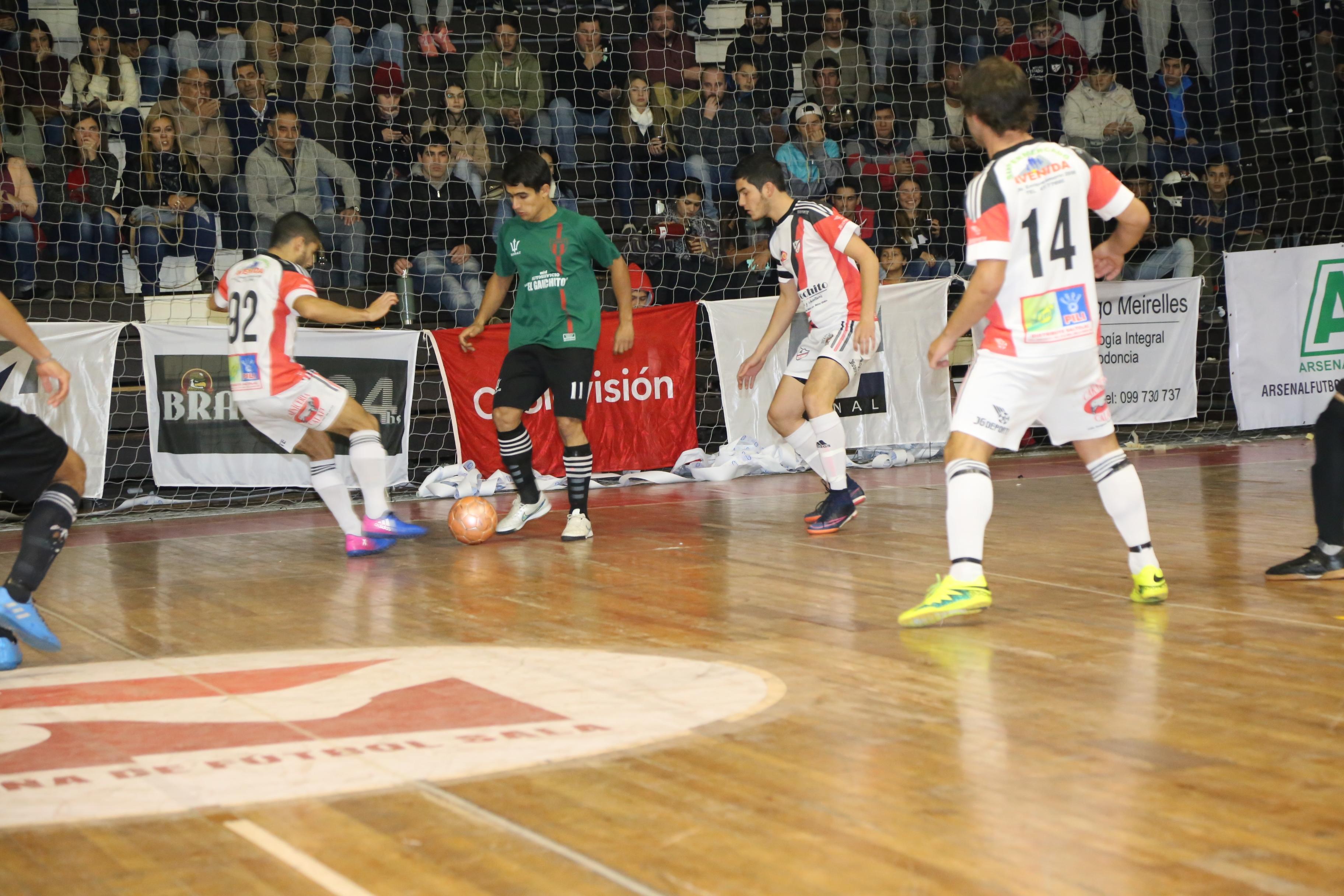 6a6ee5fb64 Incidencia del partido final por el segundo ascenso entre Atlético Juventus  (10) vs Almagro