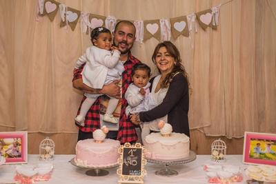 La familia: Renzo Amaro, Nadia Ferreira, Liz y Violeta