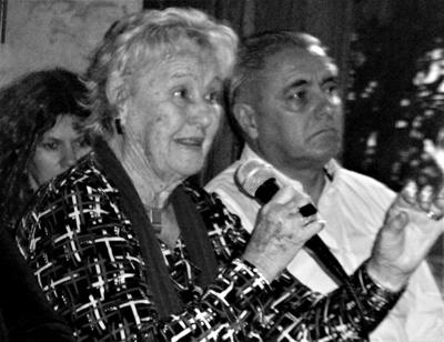 Profesora Ofelia Piegas, Carlos Etchevers