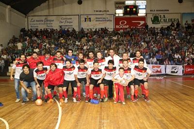"""Equipo de Chaná Futsal, el """"indio"""" se consagró como el famante campeón """"Salteño"""" de Fútbol Sala temporada 2016 – 2017, y mañana será uno de los protagonistas en el evento de reconocimiento y premiación a los mejores de la disciplina en el local de VJ Costa."""