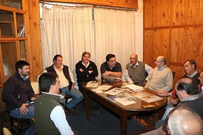 Reunión de dirigentes de básquetbol con intendente Andres Lima en Círculo Sportivo