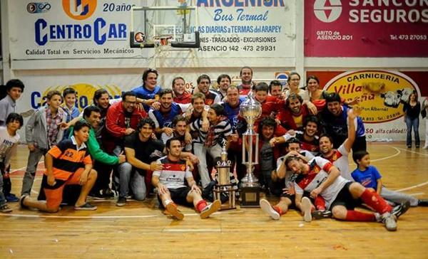 """El equipo  de Chaná es el flamante Campeón """"Salteño"""" del  Fútbol Sala  temporada 2016 – 2017…el """"Indio"""" en lo más alto del podio. ¡Salud Campeón!"""
