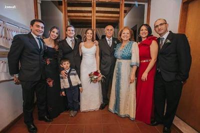 La familia de Cecilia: Maximiliano Corcol, Carolina Corbo, el pequeño Juan Manuel Abarno,  Juan Andrés y Cecilia, Eduardo Corbo, Shirley Grassi, Leticia Corbo y Mauricio Abarno