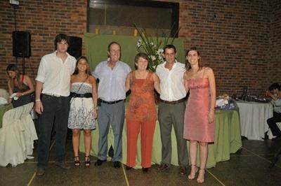 Ricardo Scaparoni, esposa, e hijos