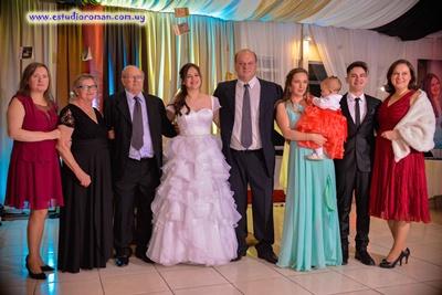 Luana junto a su hermana María Rita Sabidussi Godoy, su papá Jeferson Sabidussi,  Silvina Yemini, su hermano Giovani Sabidussi Godoy, tíos y abuelos Sabisussi- Longhi