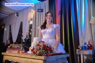 Luana Sabidussi Godoy festejó sus quince años con una  preciosa fiesta en la ciudad de Bella Unión donde reside