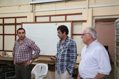 Otra instancia de  la reunión mantenida entre apicultores y autoridades  del Ministerio de  Ganadería Agricultura  y Pesca