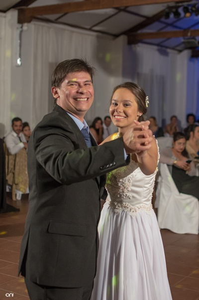 Valentina y su papá Robert Dalves Errecalde