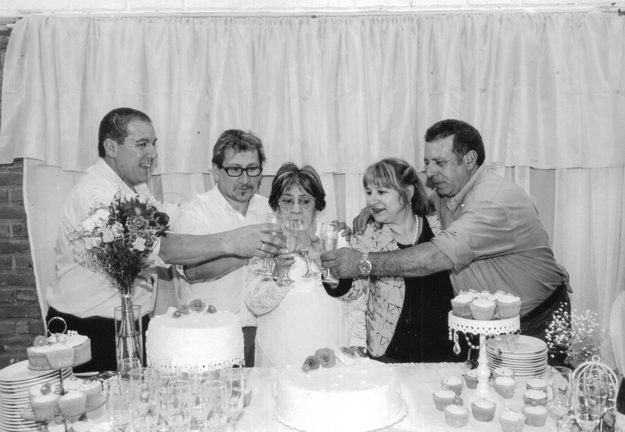 Nahir con sus hijos Enrique, Tito, Yanet y Richard