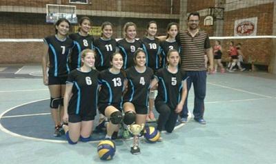 Las chicas de AVS lograron el título del Apertura de  Voleibol Salteño tras vencer a Universitario 3 a 2