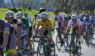 En acción los ciclistas en el Apertura Departamental de Montevideo por la tercera fecha del calendario Nacional