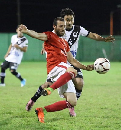 """Alexander Piriz y el """"chango"""" Albano. La noche 0-0 Ferro tiene deuda pendiente"""