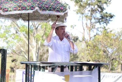 Francisco Cánepa conduciendo las ventas en San Gregorio