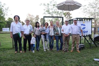 Integrantes del escritorio Cánepa y de la familia Tellería